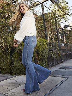The Wrangler Retro® Green Jean: Women's High Rise Trumpet Flare