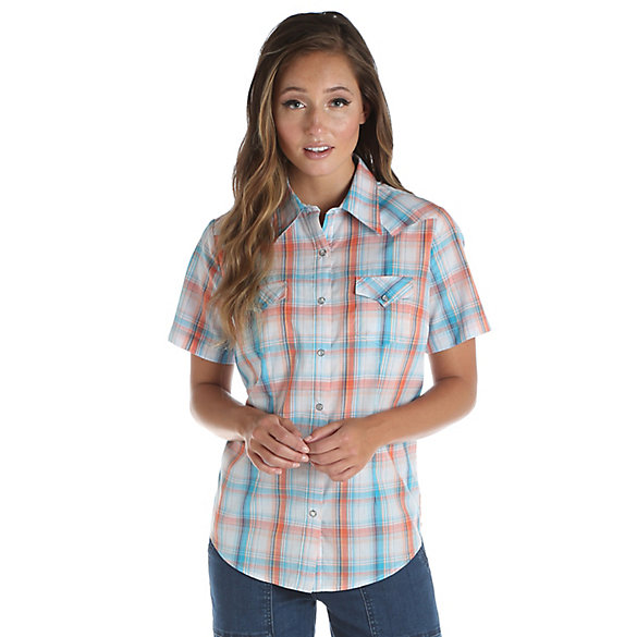 Women's As Real As Wrangler® Short Sleeve One Point Yoke Western Snaps Plaid Top