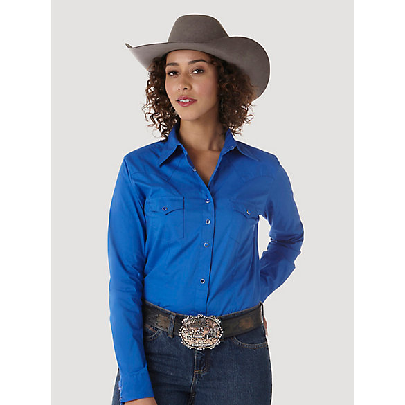Wrangler® Long Sleeve One Point Front and Back Yokes Solid Top