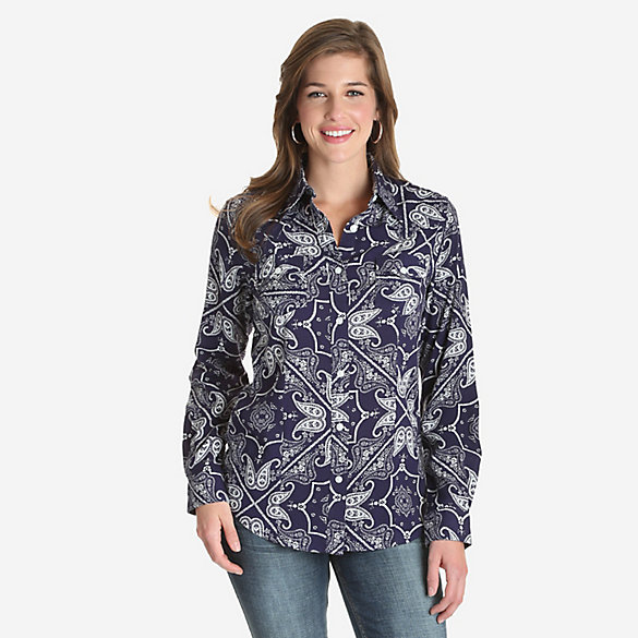 Women's Wrangler Retro® Long Sleeve Paisley Print Button-Down Top