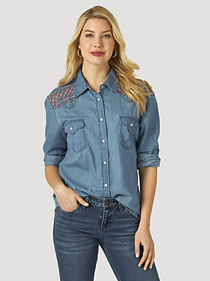 Women's Wrangler Retro® Embroidered Yoke Denim Snap Shirt