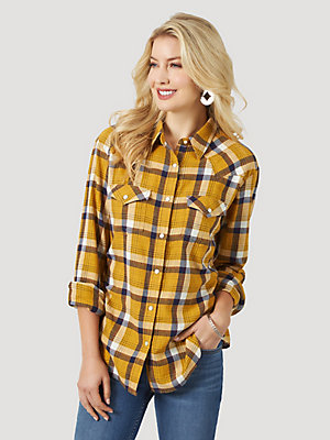 Women's Wrangler Retro® Long Sleeve Boyfriend Fit Flannel Plaid Shirt