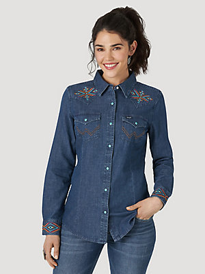 Women's Wrangler Retro® Long Sleeve Embroidered Western Snap Denim Shirt