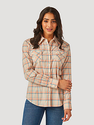 Women's Essential Long Sleeve Plaid Western Snap Top