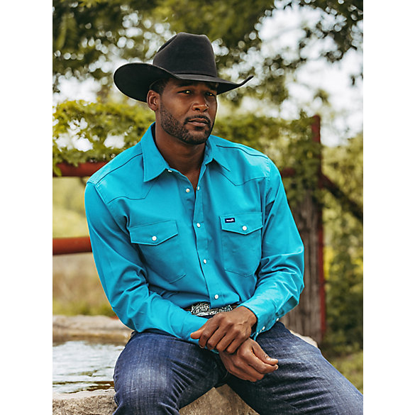 Premium Performance Advanced Comfort Cowboy Cut® Long Sleeve Spread Collar Solid Shirt