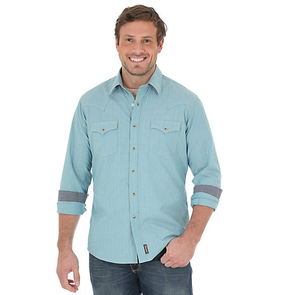 Men's Wrangler Retro® Long Sleeve Western Snap Solid Chambray Shirt
