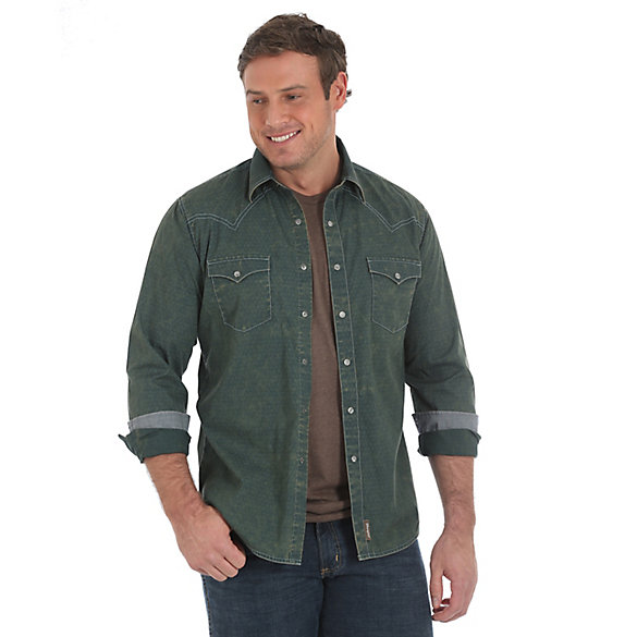 Men's Wrangler Retro® Long Sleeve Western Snap  Shirt