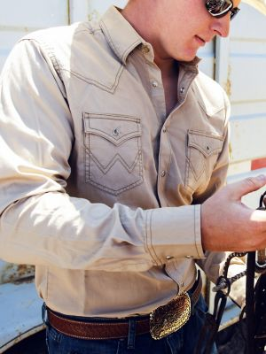 Men's Wrangler® Contrast Trim Western Two Snap Flap Pocket Shirt