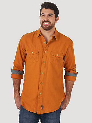 Men's Wrangler Retro® Long Sleeve Button-Down Solid Shirt