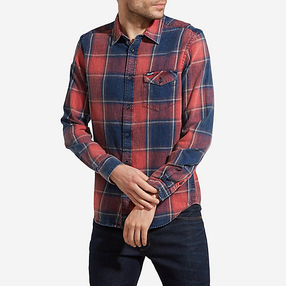 Men's Wrangler® Born Ready Long Sleeve Button Down One Spade Pocket with Flap Plaid Shirt