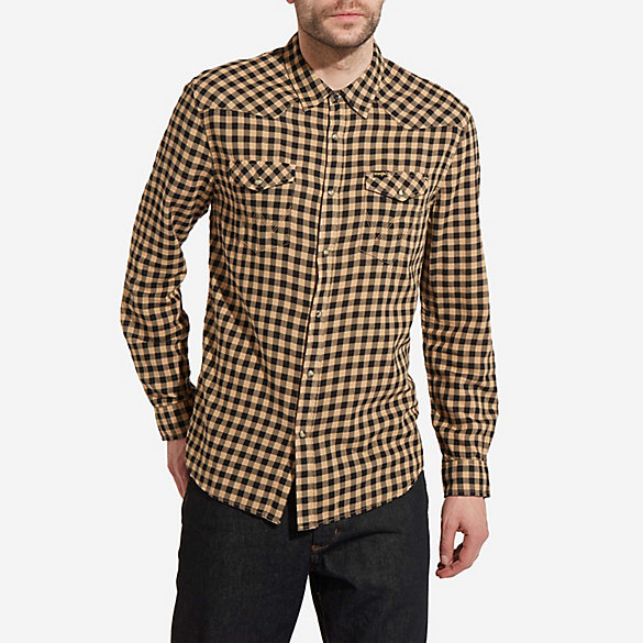 Men's Wrangler® Born Ready Long Sleeve Western Snap Two Pocket Flap Check Plaid Shirt