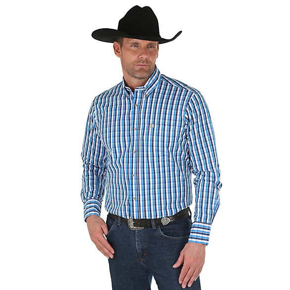 Men's Wrangler® Performance Long Sleeve Button Down Plaid Shirt