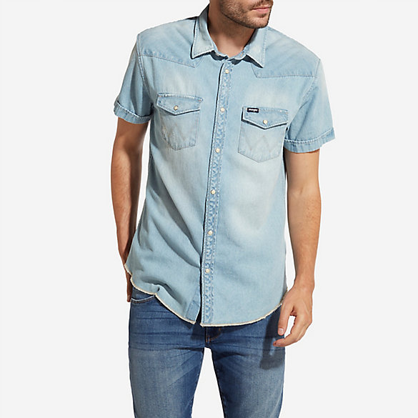 Men's Wrangler® Born Ready Short Sleeve Western Snaps Denim Shirt