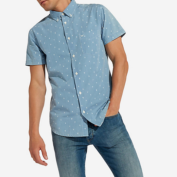Men's Wrangler® Short Sleeve Cactus Print Chambray Shirt