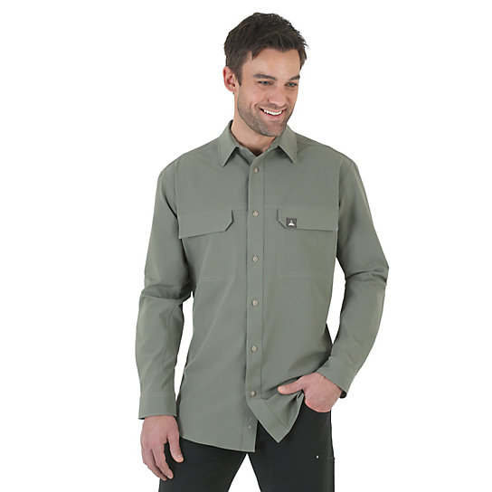 Wrangler Rugged Wear® All-Terrain Long Sleeve Spread Collar Flap Pockets Performance Solid Shirt (Big & Tall)
