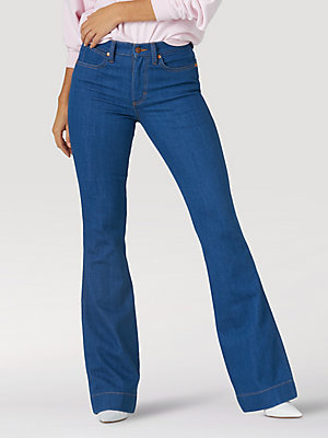 Women's Low-Dip Rinse Exaggerated Bootcut Jean