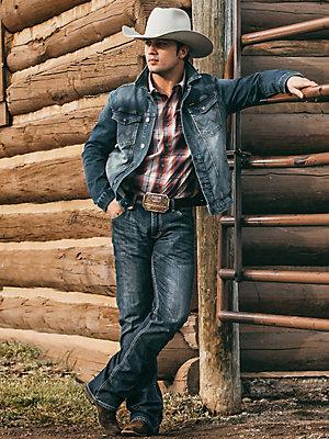 Men S Wrangler Retro Slim Fit Bootcut Jean Men S Jeans Wrangler