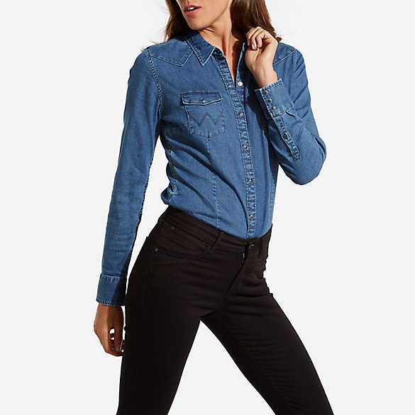 Women's Wrangler® Born Ready Long Sleeve Dyed to Match Western Snap Denim Top