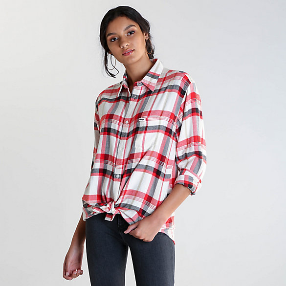 Women's Wrangler® Born Ready Boyfriend Fit Button-Down Plaid Shirt